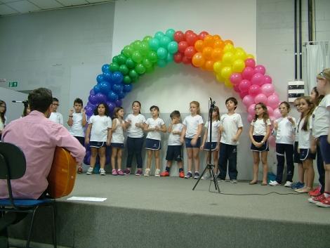 colegio almeida junior - fim de ano musicalizacao 2